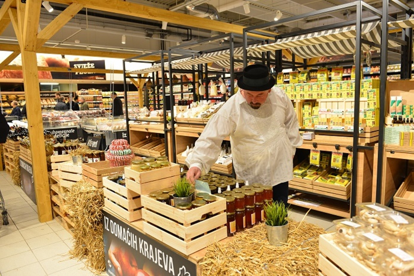 "Strength2Food Partner Konzum develops a ""local store within a store"" concept"